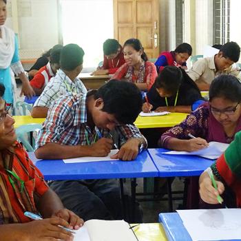 미멘싱교구 전례 교육 프로그램 참가자들(출처=ACN 자료사진)