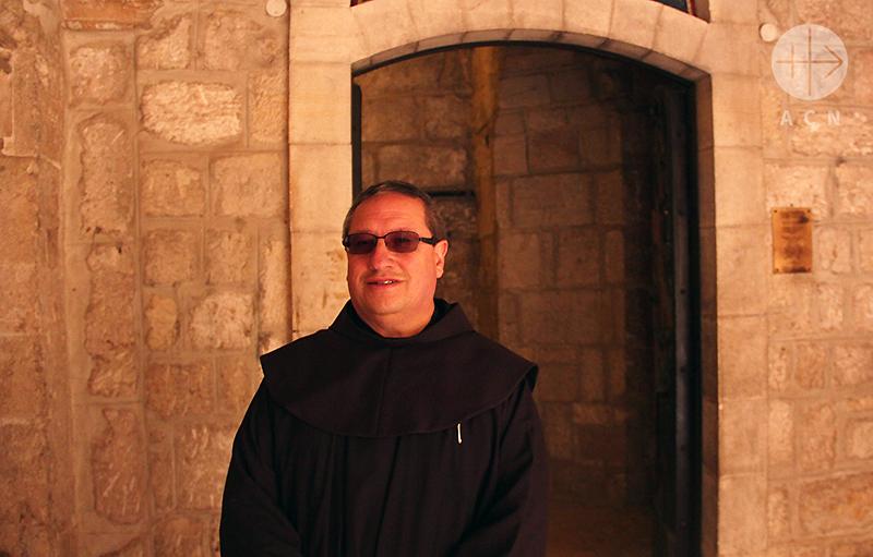 베들레헴 예수탄생기념성당 근처 프란치스코회 수도원을 관리하시는 리카르도 부르토스 신부님(출처=ACN 자료사진)