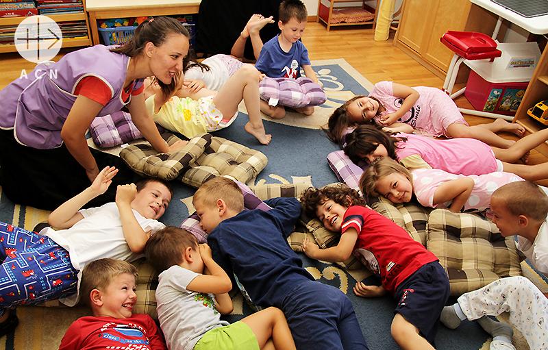 보스니아에 있는 보육원 이집트 하우스의 아이들(출처=ACN 자료사진)