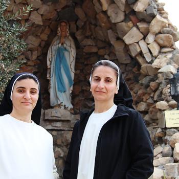 나제크 수녀님과 루마 수녀님. 출처=ACN자료사진