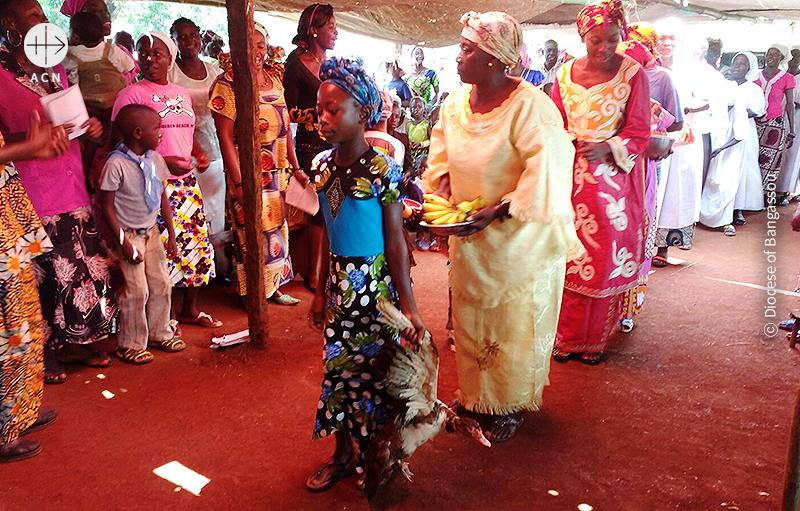 콩고 국경 난민촌에서 미사 봉헌 (출처=ACN 자료사진)