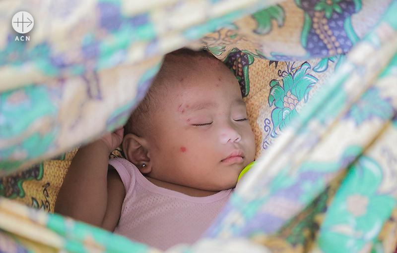 국내난민 아기(출처=ACN 자료사진)