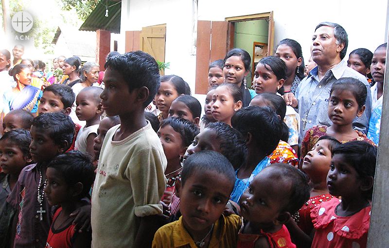 노동자 성 요셉 성당 신자들 (출처=ACN자료사진)