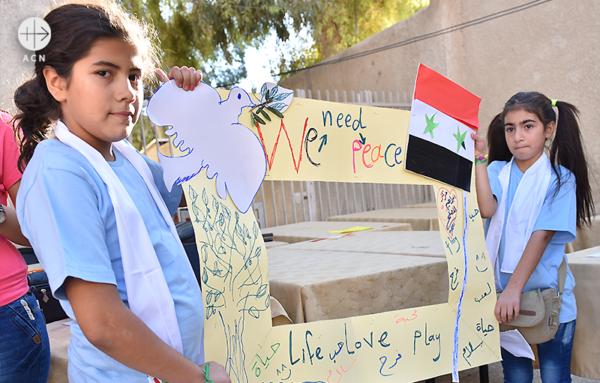평화를 기원하는 시리아 어린이들 (출처=ACN 자료사진)