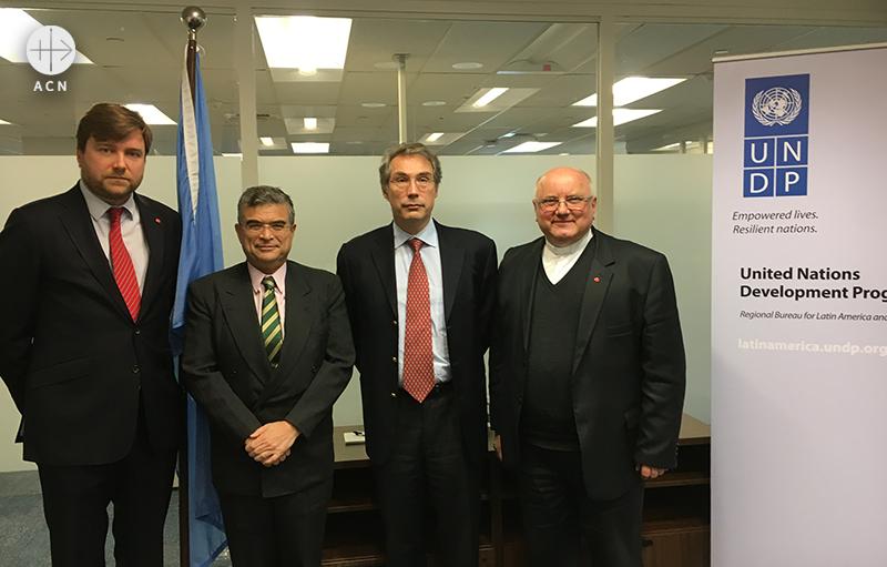 ACN 대표단과 무라드 와바 사무처장보 (출처=ACN 자료사진)