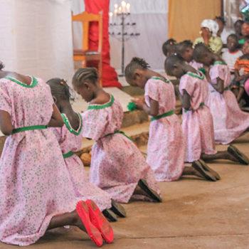 성 요셉 무카사 성당에서 (출처=ACN 자료사진)