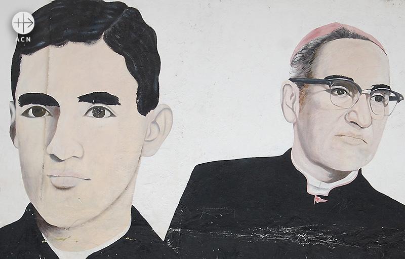 한 신학생이 그린 젊은 시절과 나이 든 시절의 로메로 주교 (출처=ACN 자료사진)