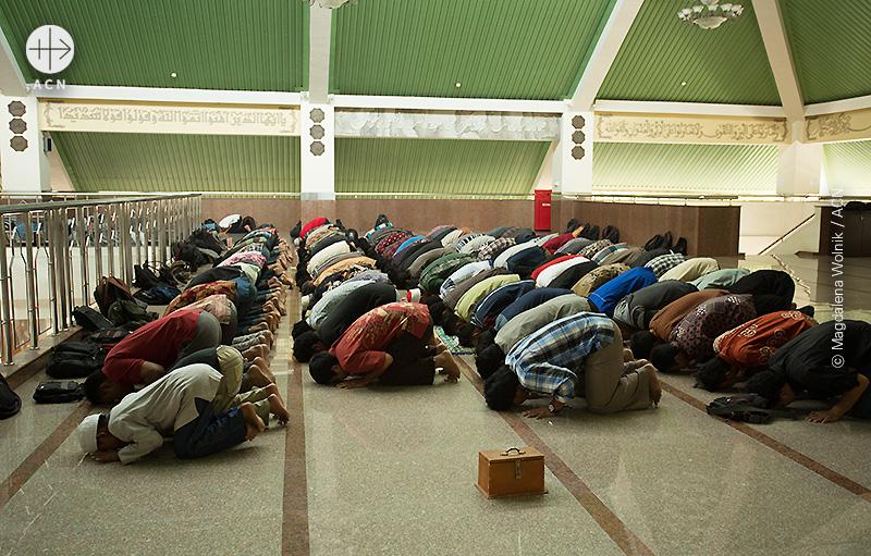 요그야카르타 대학의 이슬람 기도시간(출처=ACN 자료사진)