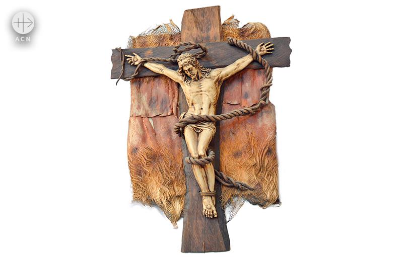 테헤란의 가톨릭 아르메니아 교회에 걸린 십자가상 (출처=ACN자료사진)