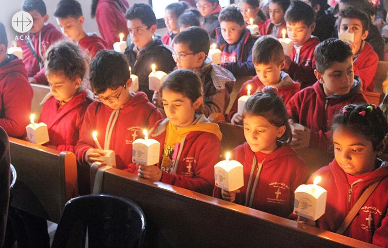 시리아 알레포, 초를 밝히는 아이들 (출처=ACN자료사진)
