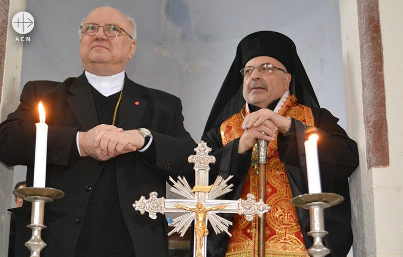 안제이 할렘바 신부와 니콜라스 사와프 대주교 (출처=ACN자료사진)