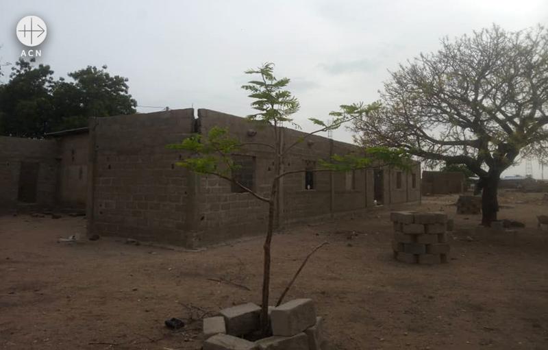 콤피엔비가의 교회 건물 (출처=ACN자료사진)
