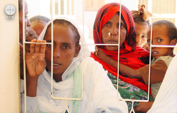 에리트레아의 여성과 아이들(출처=ACN 자료사진)