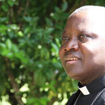 희망의 농장(Fazenda da Esperança)에서 나이지리아의 카이가마 대주교(출처=ACN 자료사진)