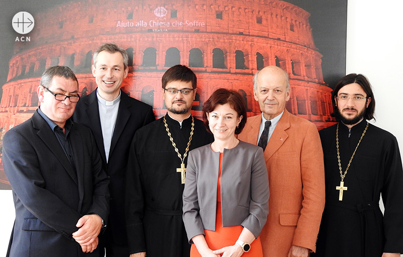 ACN 국제 본부와 모스크바 총대주교구 사절단의 기념 사진 촬영(출처=ACN 자료사진)