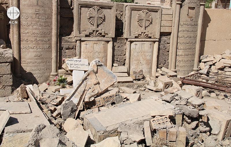 이라크 카람레스의 파괴된 묘지(출처=ACN 자료사진)