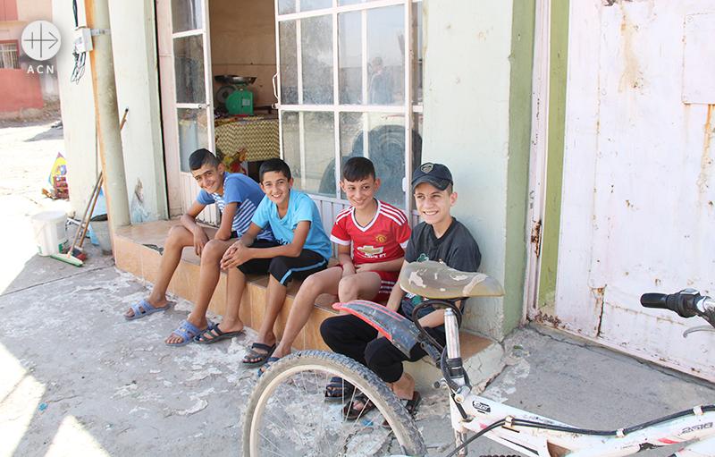 이라크 카람레스의 소년들(출처=ACN 자료사진)