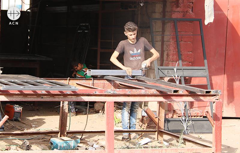 이라크 카라코시 마을의 재건을 위해 공사 중인 모습(출처=ACN 자료사진)