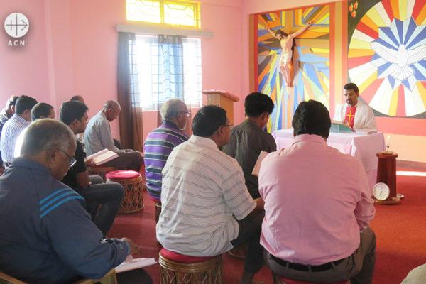 인도 아삼주의 예수회 사제들을 위한 미사 예물 봉헌 및 피정 지원 (출처=ACN 자료사진)