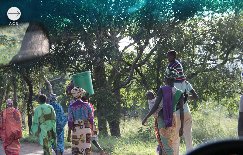 모잠비크 펨바교구를 방문하며 (출처=ACN 자료사진)