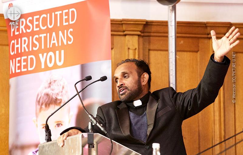 웨스트민스터 대성당에서 열린 ACN 영국지부 행사에 참석한 니샨타 쿠레이 신부 (출처=ACN 자료사진)