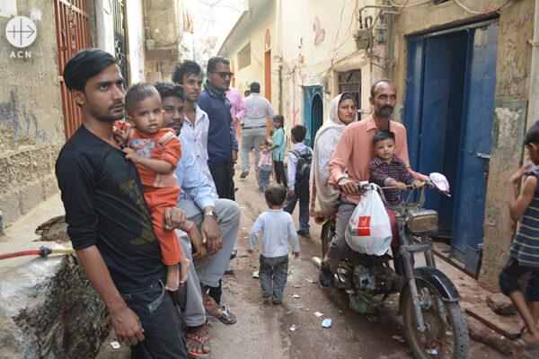 파키스탄 카라치, 굴샨 이크발의 슬럼 지역에서 사는 그리스도인들 (출처=ACN 자료사진)