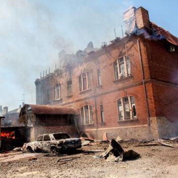 우크라이나 동부 지역, 불타고 있는 집 (출처=ACN 자료사진)