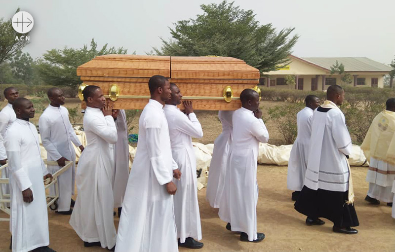 2020년 2월 11일 나이지리아 카두나대교구 착한 목자 신학교에서 거행된 마이클 응나디 신학생의 장례 미사 (출처=ACN 자료사진)