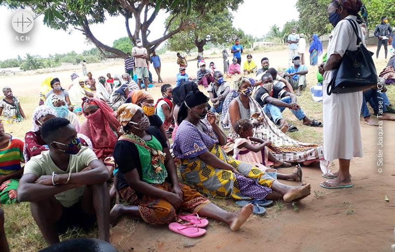 이슬람 지하디스트 반군 세력의 공격에 실향민이 된 모잠비크인들 (출처=ACN 자료사진)