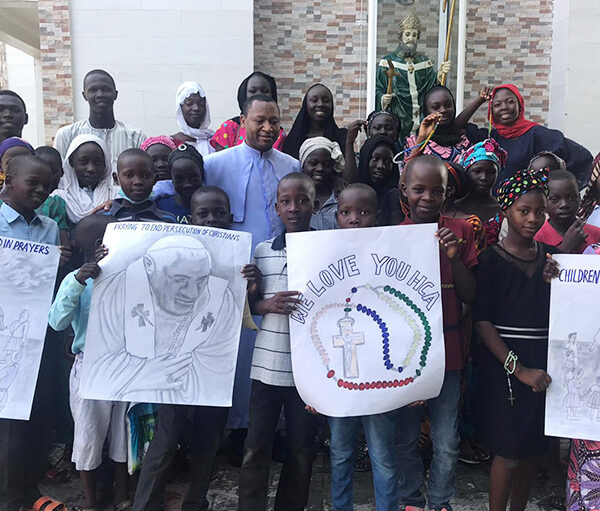 2020년 100만 어린이의 묵주기도, 나이지리아 마이두구리교구 (출처=ACN 자료사진)