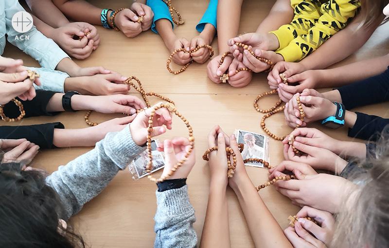 2019년 ACN 100만 어린이 묵주기도 캠페인에 참여한 슬로바키아의 어린이들 (출처=ACN 자료사진)