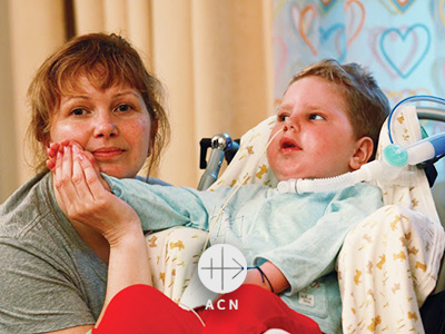 RUSSIA / NATIONAL 20/01044 Renovation of the stationary children's hospice building in St. Petersburg (ul.Babushkina): Mother with sick child at orthodox children's hospice at St. Petersburg Only very small file quality available