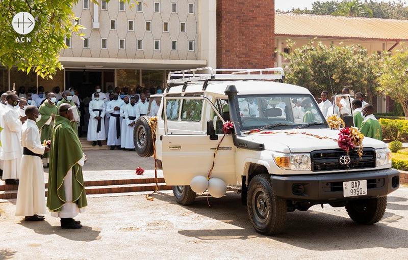 잠비아 루사카 성 도미니코 신학교 새 차량 축복식 (출처=ACN 자료사진)
