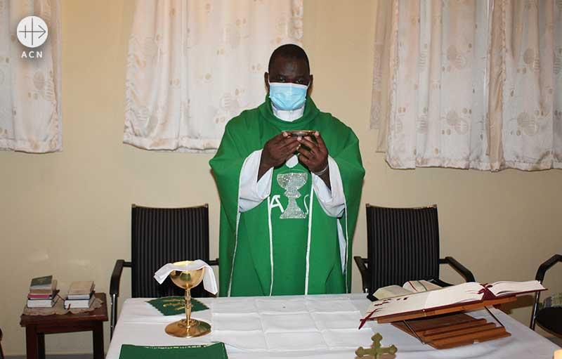 말라위 주교회의 사제들을 위한 미사 예물 지원 (출처=ACN 자료사진)