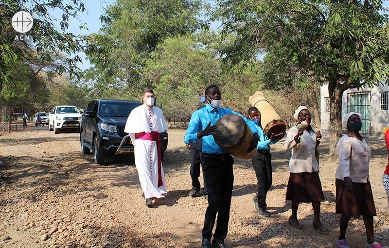 짐바브웨 교황 대사 파울로 루델리 주교 (출처=ACN 자료사진)